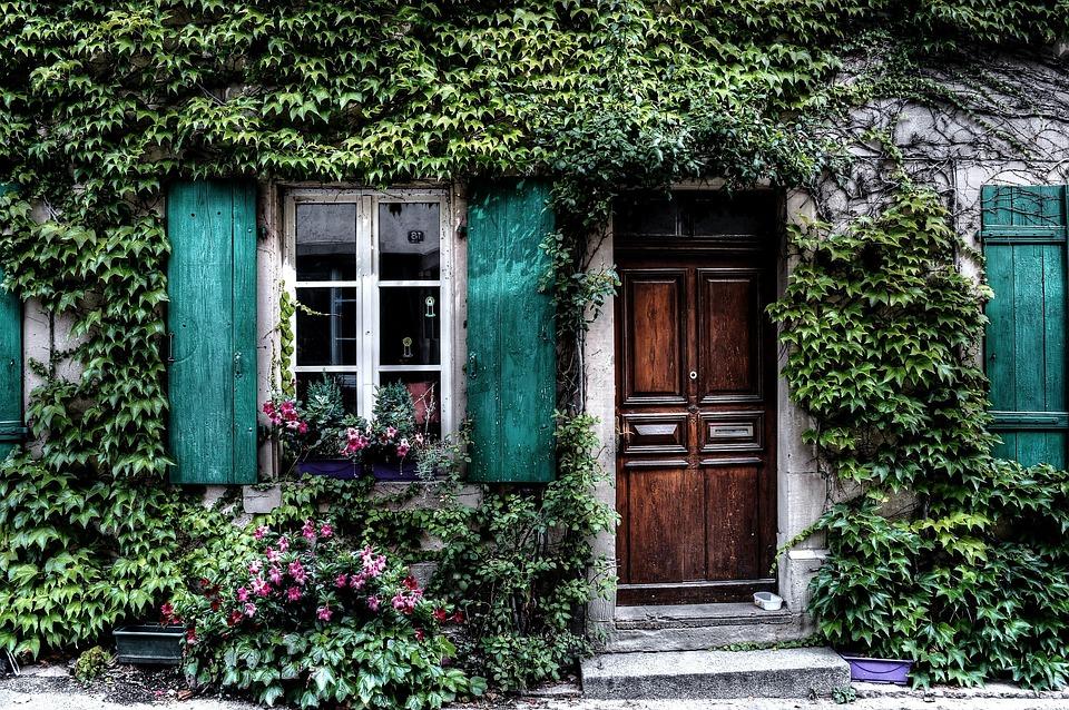 Akých detailov si všímať pri vstupných dverách